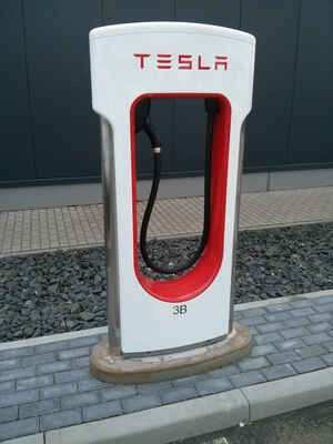 Tesla Supercharger Single
