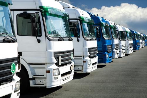Daimler verkauft mehr Lkw