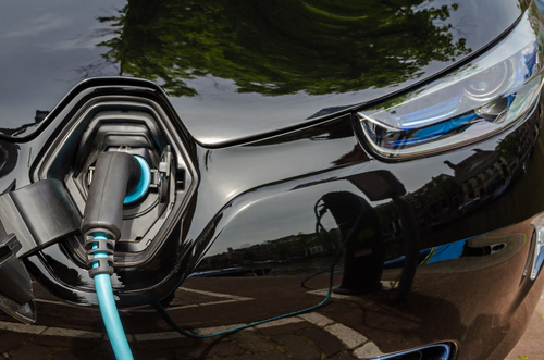 Tesla, Elektrofahrzeuge